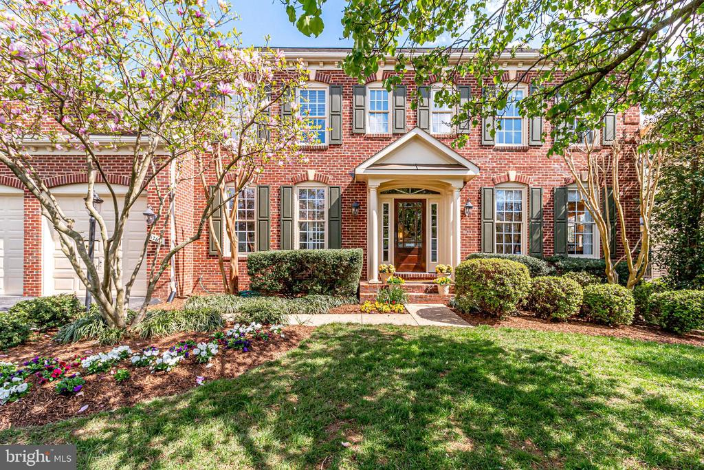 12691  VALLEY OAKS COURT, Fairfax, Virginia