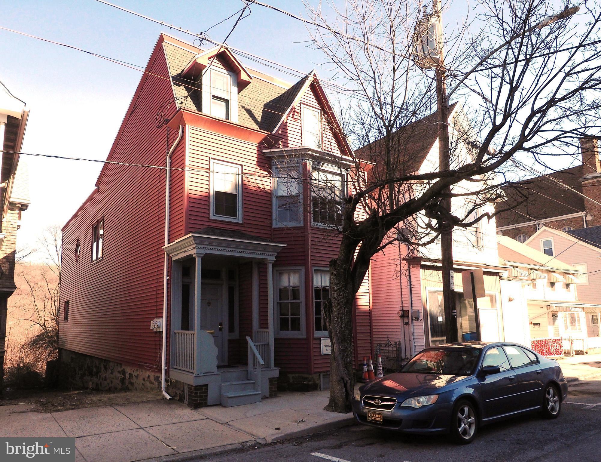 113 W Ridge Street, Lansford, PA 18232