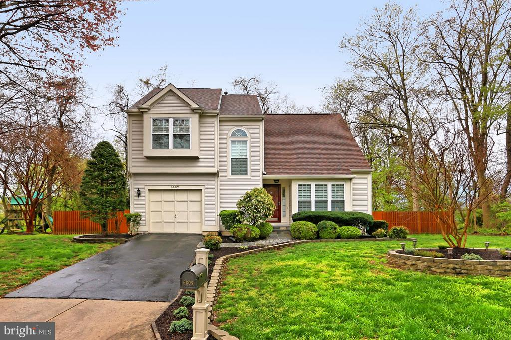 6809 Woodstone Pl, Alexandria, VA 22306