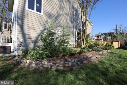 725 Timber Branch Dr Alexandria VA 22302