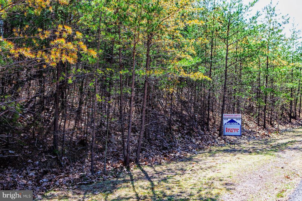71 Lakeland Pines Drive, Hesston, PA 16647