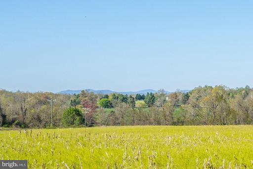 20858 Greengarden Rd Bluemont VA 20135