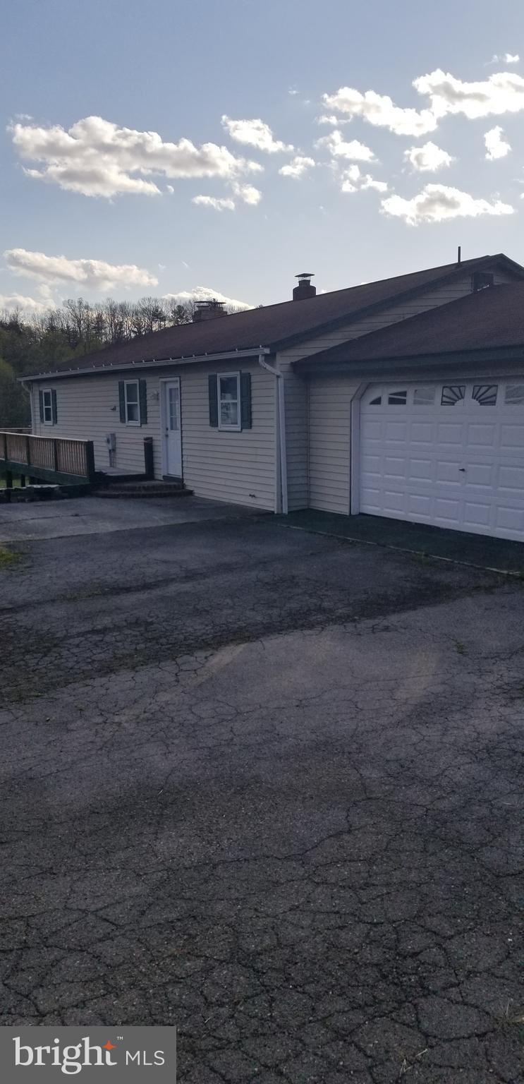 20482 Northwestern Pike, Shanks, WV 26761