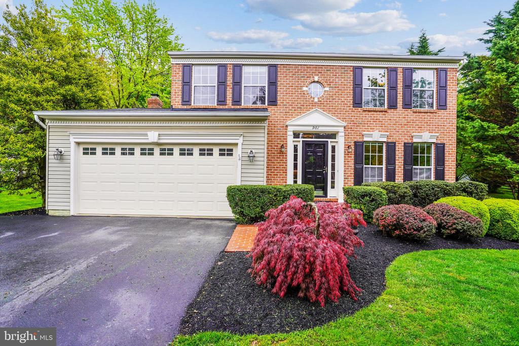 901 Deer Hollow Drive, Mount Airy, MD 21771