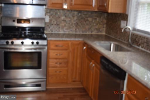 14819 Hatfield Sq, Centreville 20120