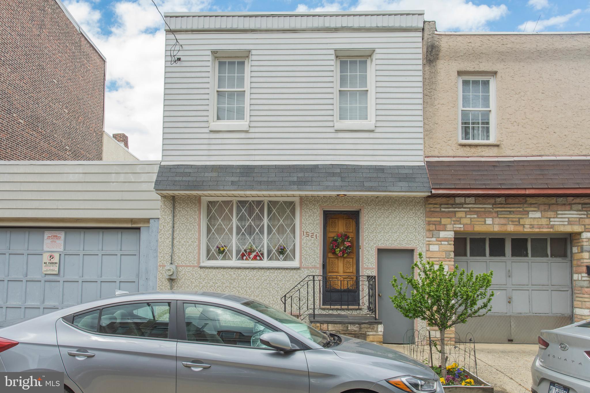 1521 E Montgomery Avenue, Philadelphia, PA 19125