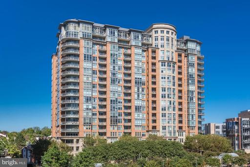 8220 Crestwood Heights Dr #1306, McLean, VA 22102