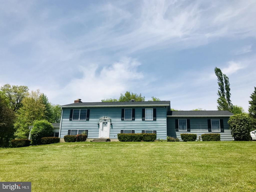 2712 Bachman Road, Manchester, MD 21102