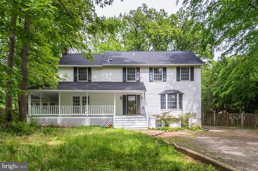 5696 Gaines St, Burke, VA 22015