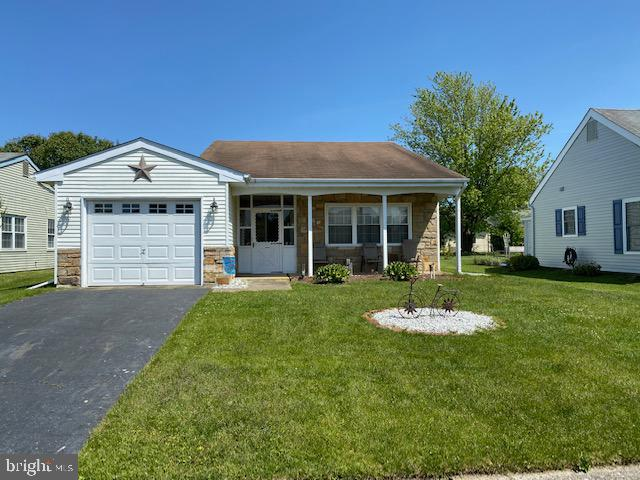 Haverford Model with Vinyl Double Pane Windows thru-out. Nice Large Rooms, Large Eat-In Kitchen.  Upgraded Electrical Panel. Walking distance to Pool and Clubhouse.  Lake is across the street and close to the back entrance.  If you are looking for a Reasonable Priced Larger Model This Is the One!  Easy to show - Must Call for Appointment