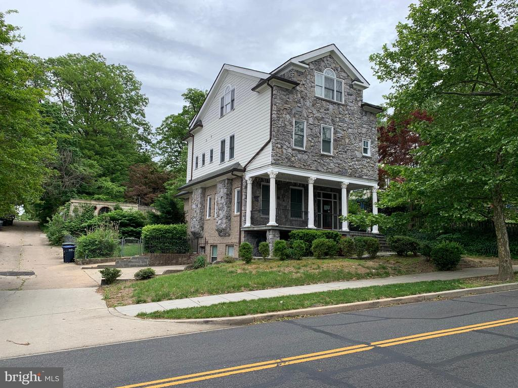 Beautiful 4 Story Detached Home, Move In Ready. Needs Your Minor Finishing Touches. Front Porch, Fenced Backyard, Two Washers and Dryers. Located 5 Mins Away From Langdon Park, and 10 Min Outside of DC.