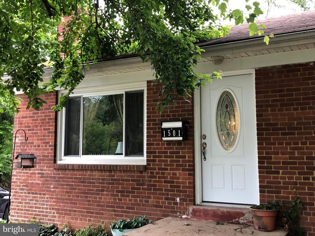 1501 Horner Rd, Woodbridge, VA 22191