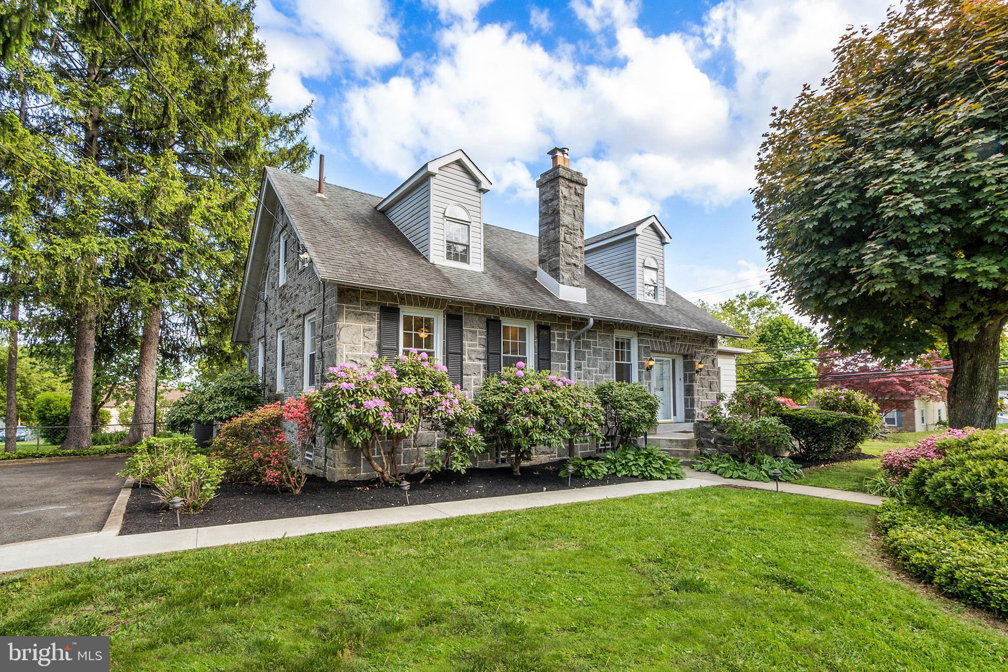 517 W Moreland Road, Willow Grove, PA 19090