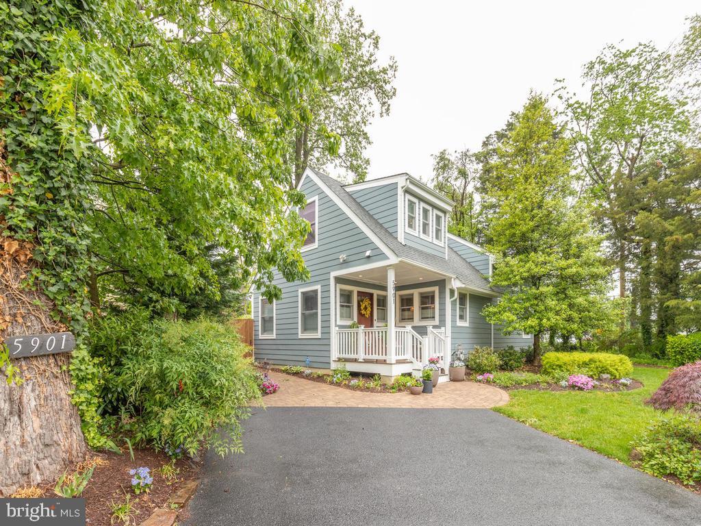 5901 Vandegrift Avenue   - Rockville, Maryland 20851