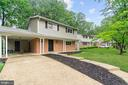 6809 Rolling Rd