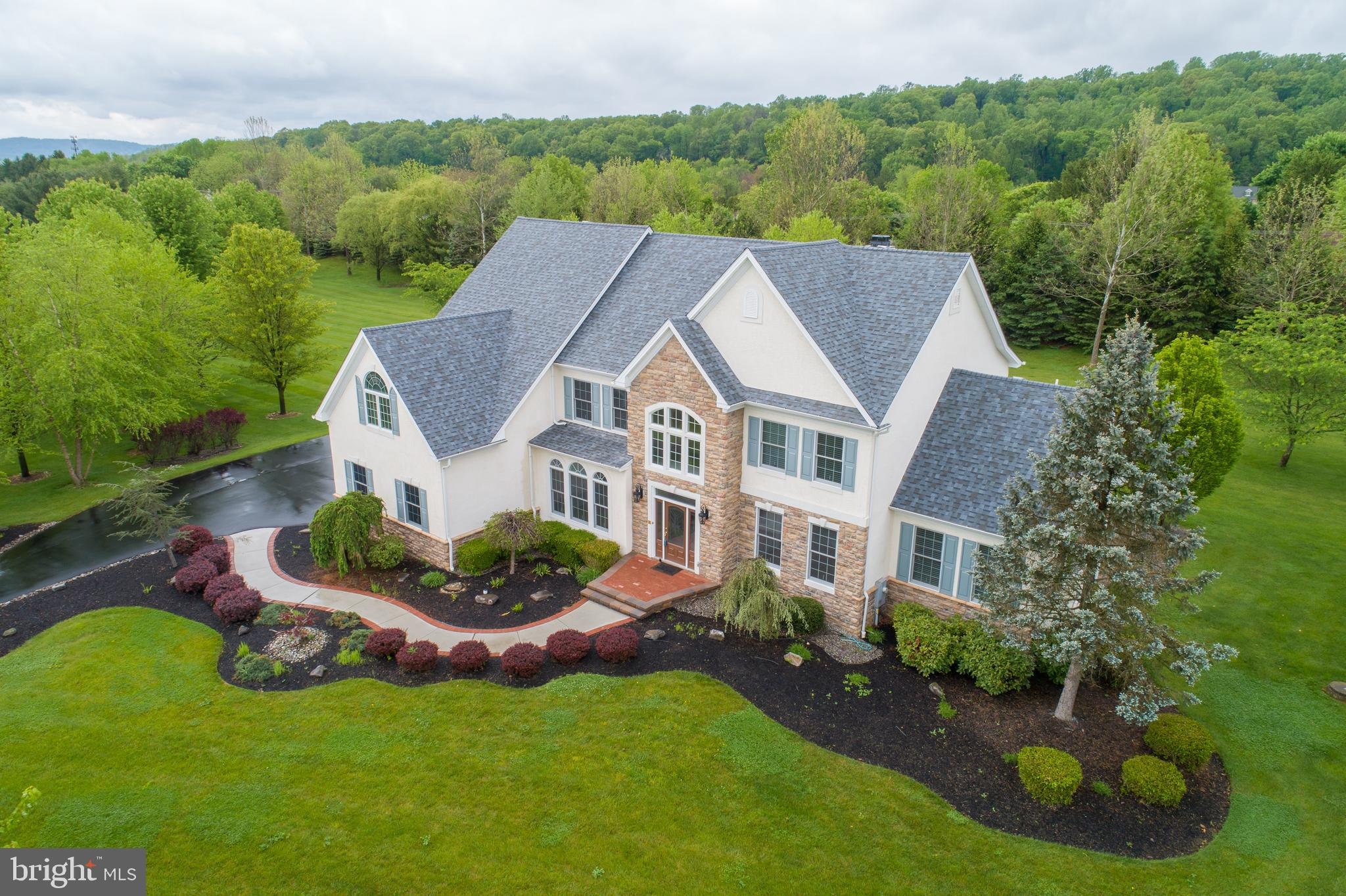 1571 Jakes Place, Hellertown, PA 18055