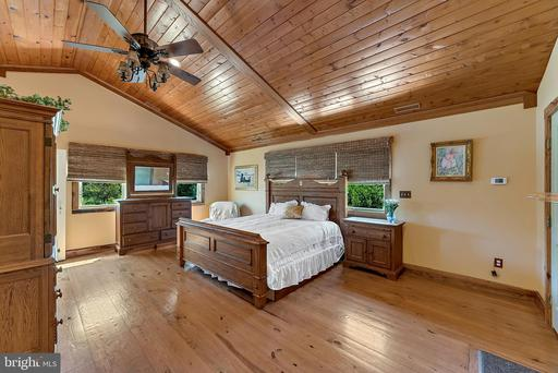 420 Rock Hall Farm Ln Berryville VA 22611