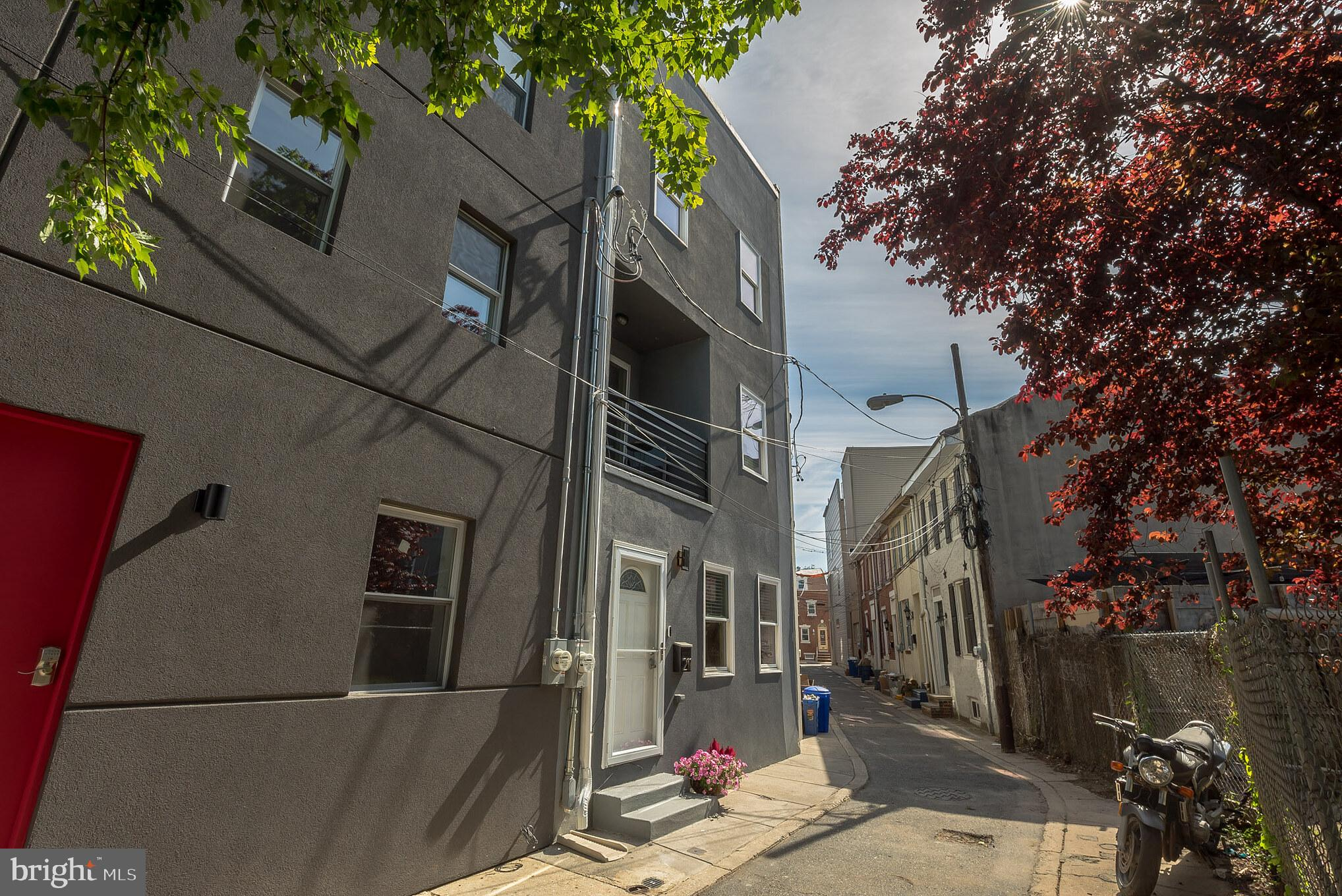 211 Mercer Street, Philadelphia, PA 19125