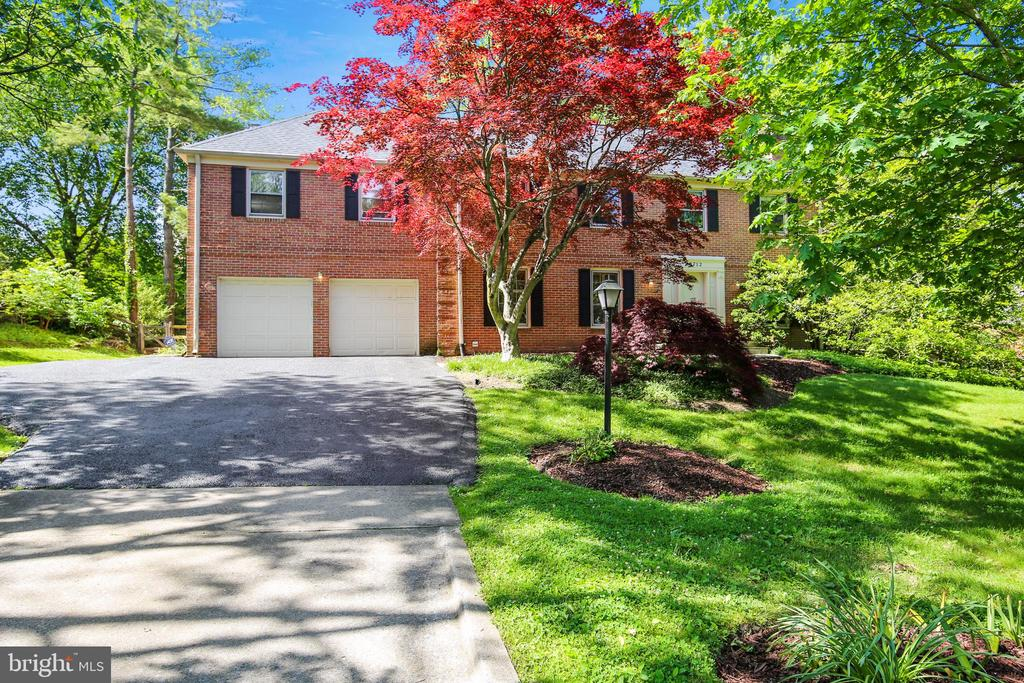 8712 COLD SPRING RD, Potomac MD 20854