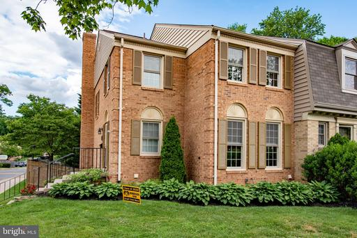 5401 Plymouth Meadows Ct