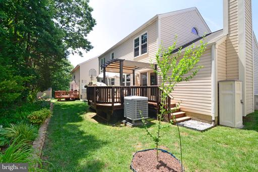 6403 Virginia Pine Ct Centreville VA 20121