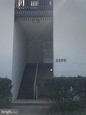 3209 W University Blvd, Kensington, MD 20895