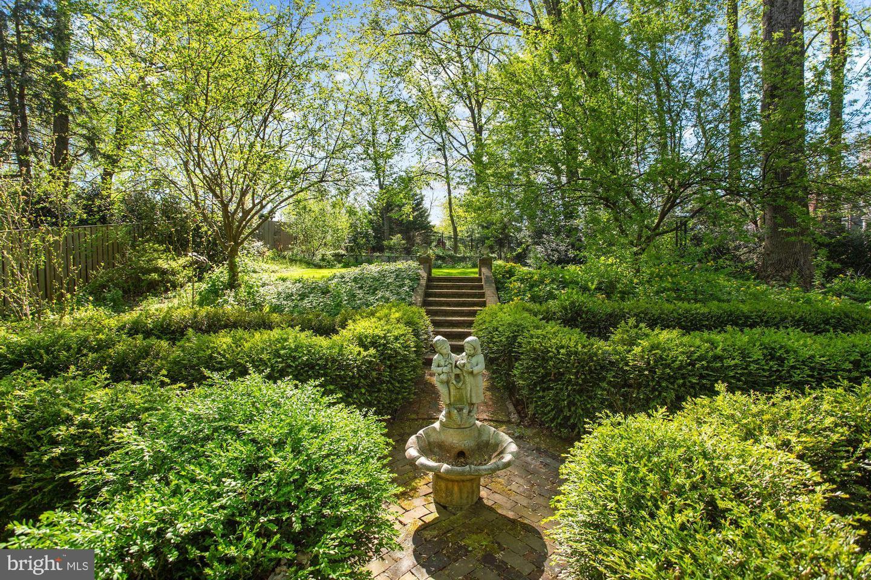 1797 Hawthorne Ridge Court   - Vienna, Virginia 22182