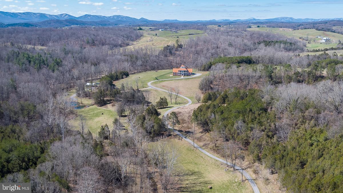 2315 Mount Joy, Buchanan, VA 24066