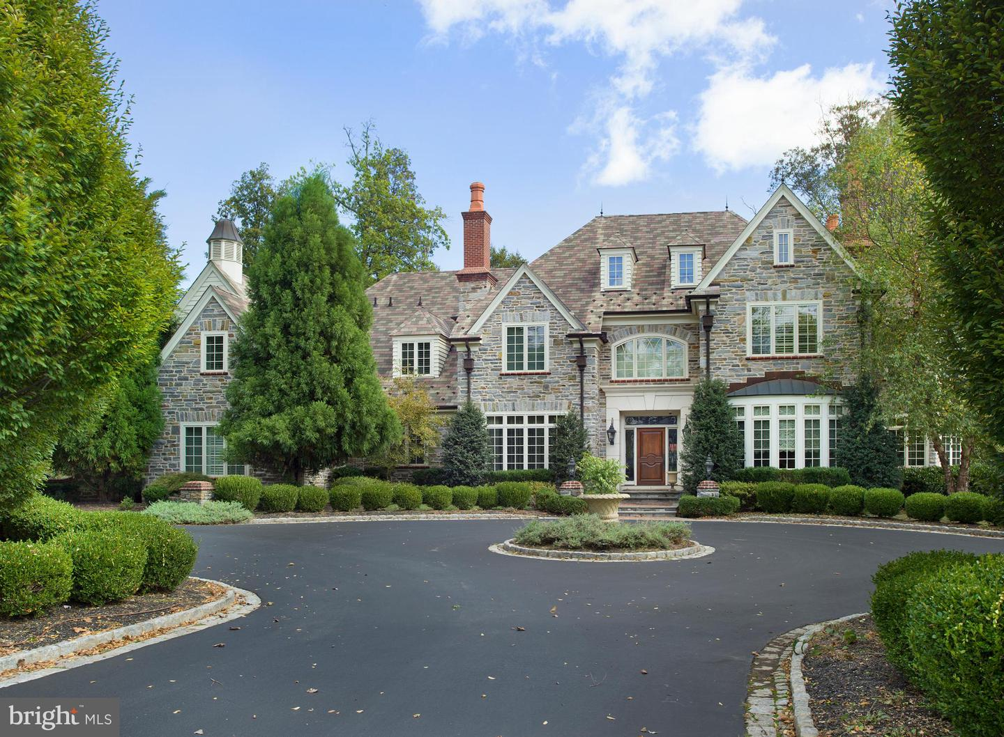 60 Farrier Lane Newtown Square, PA 19073