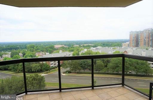 8380 Greensboro Dr #726, McLean, VA 22102