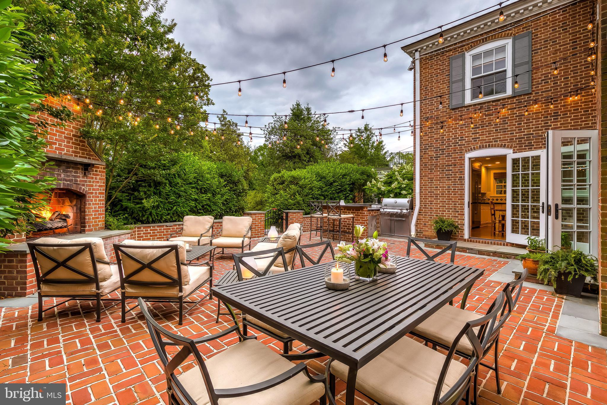 2 Thicket Rd, Baltimore, MD, 21212