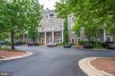 1304 Roundhouse Ln #303