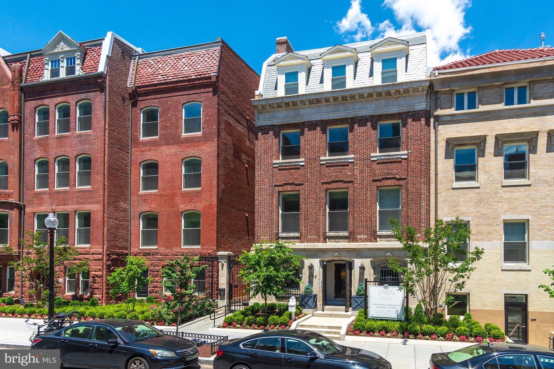 Washington                                                                      , DC - $1,599,900