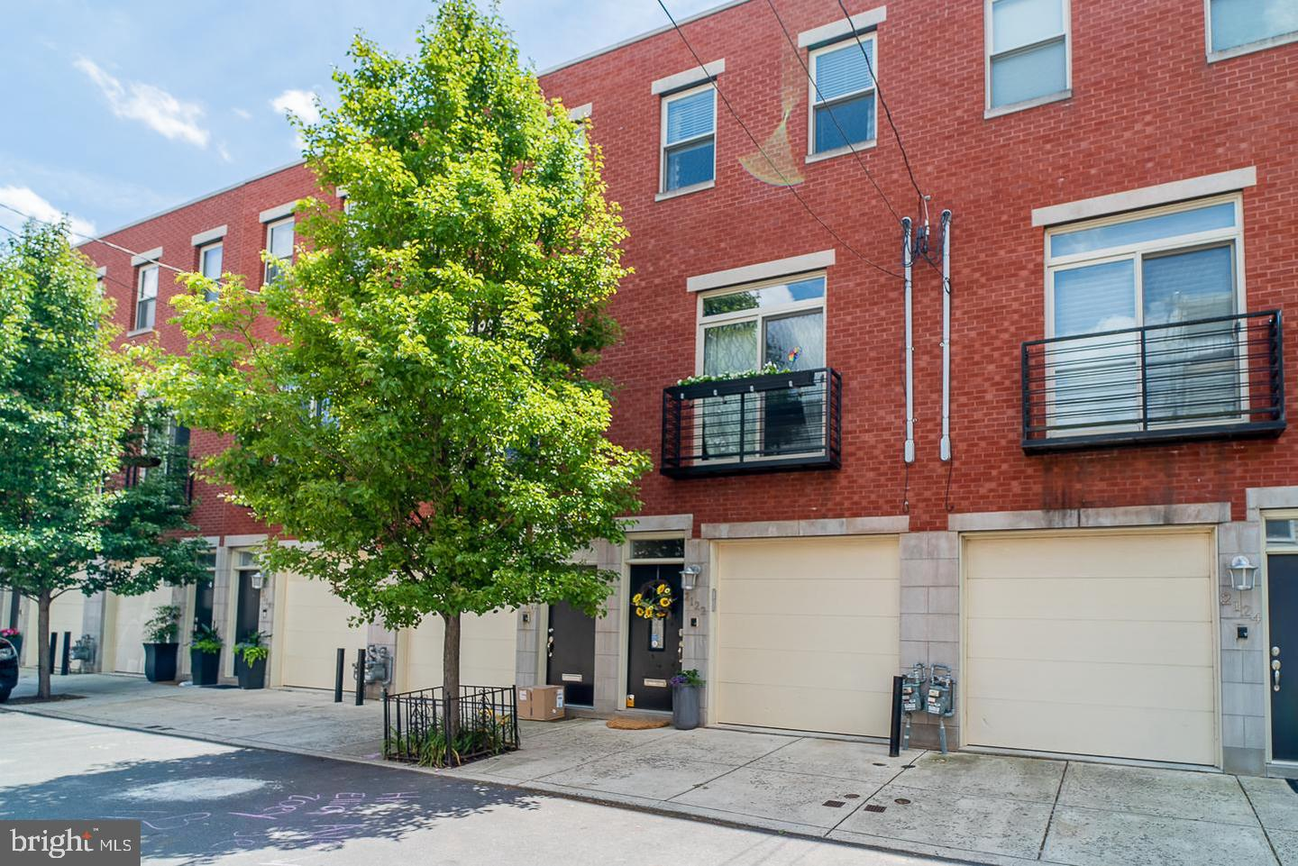 2122 Webster Street Philadelphia, PA 19146