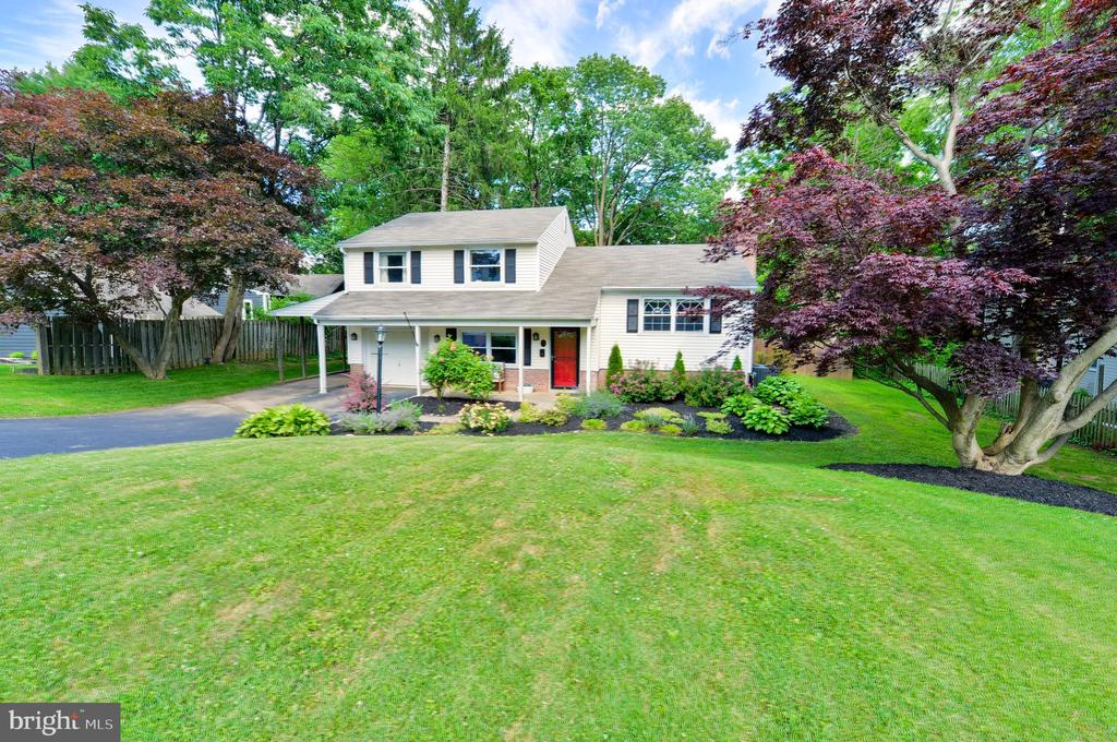 Welcome to 31 Chetwynd!  A perfect location & neighborhood!! This charming  split level home is complete with  all the modern touches!   Perfectly sized for entertaining in style & comfort.  The modern kitchen has exquisite MARBLE subway tile with a grey, quartz countertop.  Stainless steel appliances & white shaker style cabinets.  The kitchen island is extended for extra seating!   Perfect for enjoying your morning coffee or Sunday brunch with guests!  Off the kitchen is the dining area that is perfect for evening dinners! The dining area can accommodate a large table as well!  The open floor plan makes this space so inviting!  There are plenty of windows providing an abundance of light .   The view from the kitchen & dining area is a private, serene backyard.   The bright living room, has a large picture window and a cozy fireplace.  The fireplace has a heat insert that generates a warm & toasty feeling on those cold wintery days! A few steps up from the living area are the 3 bedrooms.  The master bedroom en-suite has two perfectly sized closets & a luxurious bathroom.  Featuring a walk in shower with pebble flooring and a marble top vanity.    The 2 additional bedrooms are nicely sized & share the hall bath.  This home has all the right finishes with HARDWOOD THROUGHOUT! A few steps down from the kitchen is the  family room or den, ideal for accommodating the large screen TV /play room.  Or, add a sofa bed for that overnight guest.   The updated powder room is such a convenience on this level!   The inside garage door access is another convenience. There is a  laundry room/mud room which has access to the backyard.    Step onto the back concrete patio.  The level,  half acre tree-lined backyard  is a quiet oasis that is completely FENCED!   There is plenty of room for a pool & all those backyard celebrations!!  This home is less than a mile from the Paoli Septa train station & close access to Route 30 & 202.  A Walkable Commute!!