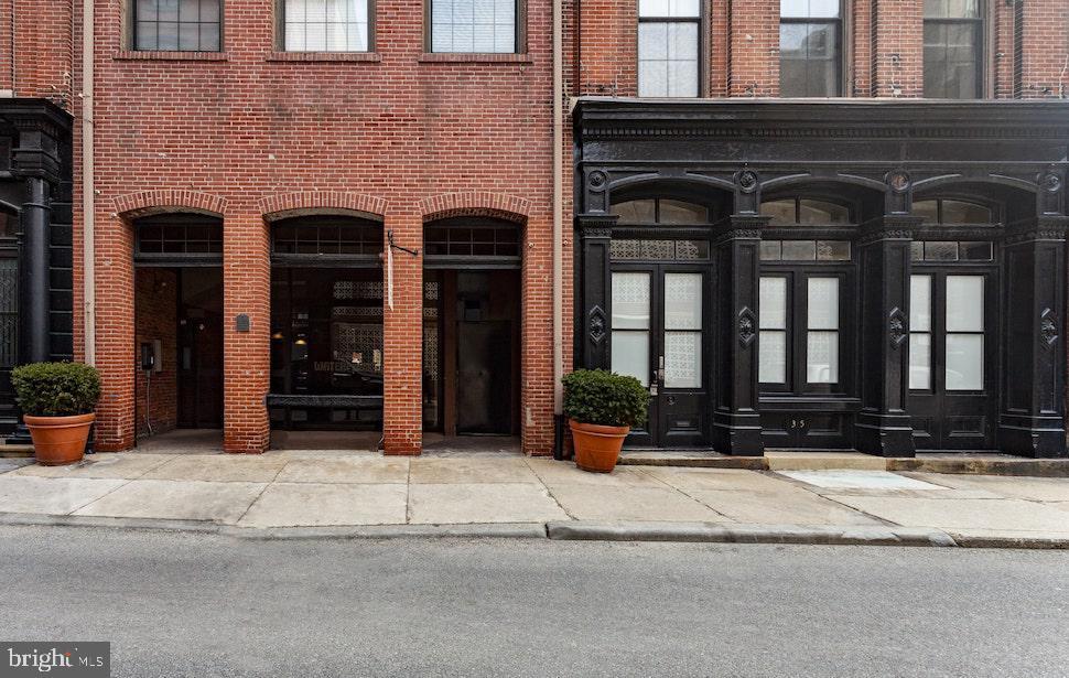 33 Letitia Street Philadelphia, PA 19106