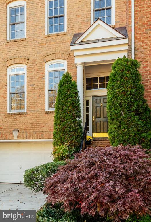2302 Sawtooth Oak Ct, Vienna, VA 22182