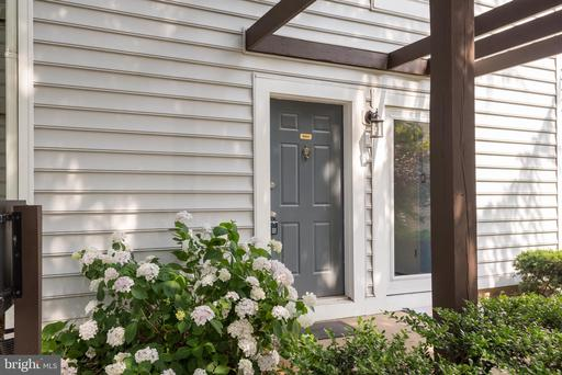 9951 Oakton Terrace Rd