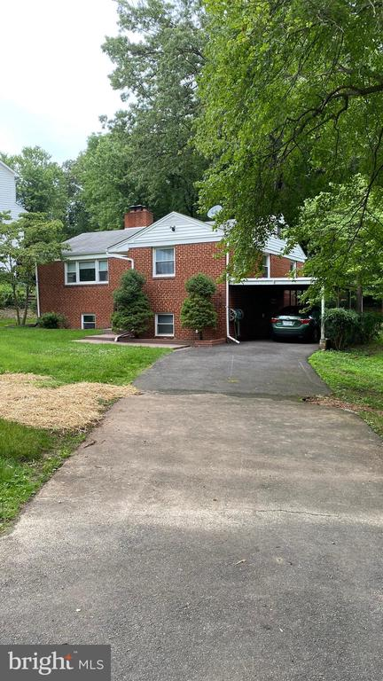 6344 Nicholson St, Falls Church, VA 22044