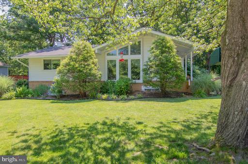 8421 Cottage St