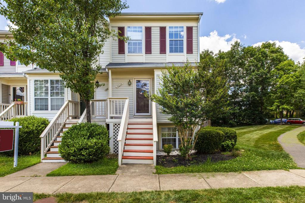 14232 AUTUMN CIR, Centreville VA 20121
