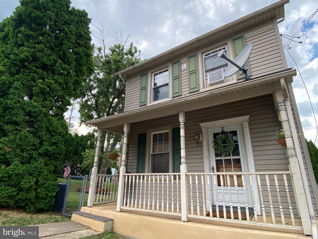 737 W Lincoln Street, Easton, PA 18042
