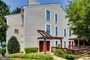 9975 Oakton Terrace Rd