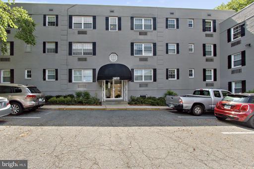 2055-204 N Woodstock St #204 Arlington VA 22207