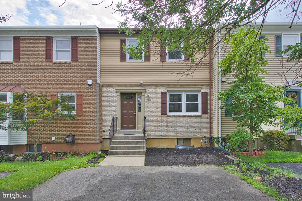 5329 Lake Cove Ct, Alexandria, VA 22315