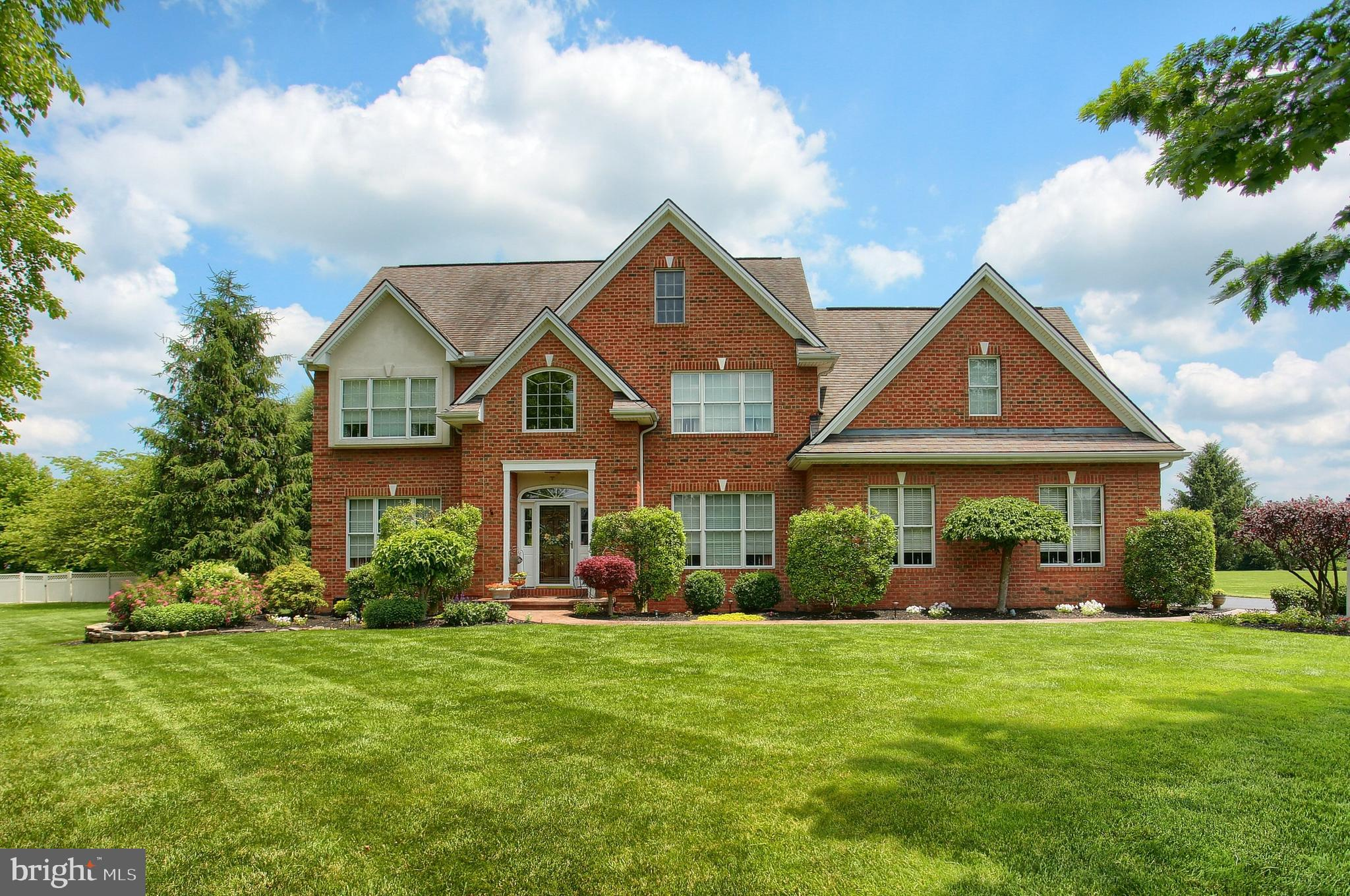 525 Lucinda Lane, Mechanicsburg, PA 17055