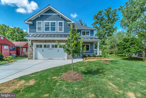 2013 Storm Dr, Falls Church, VA 22043