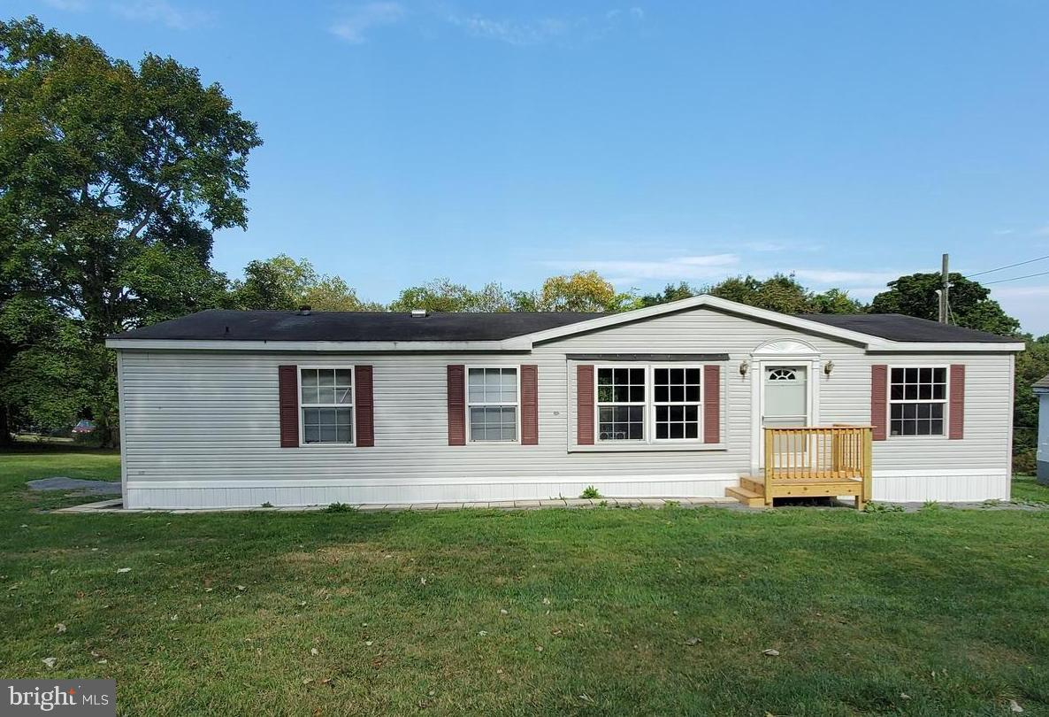 170 Foster Dr, Falling Waters, WV, 25419
