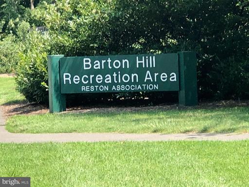 1958 Barton Hill Rd Reston VA 20191