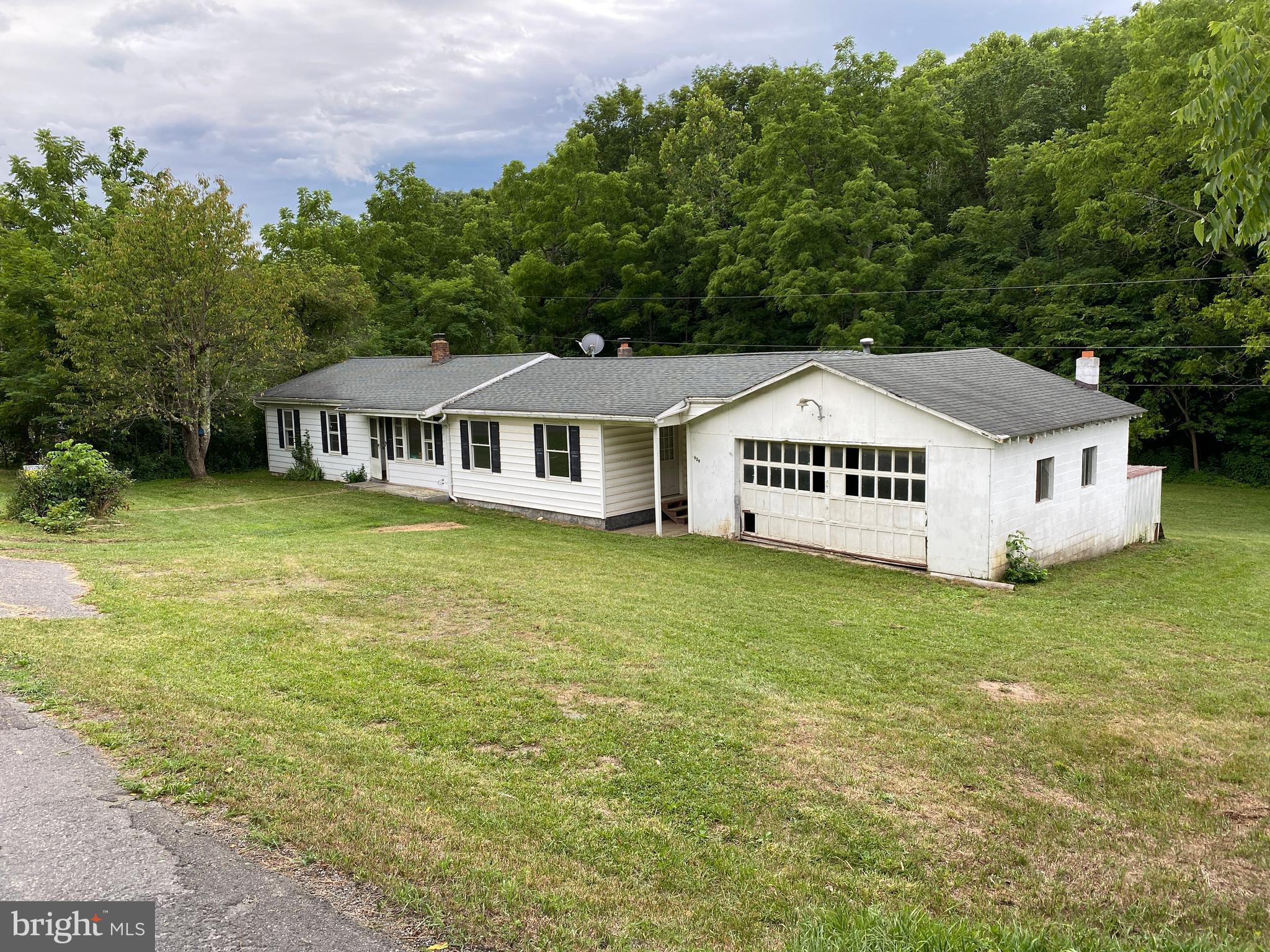 375 Possum Hollow Road, Maysville, WV 26833
